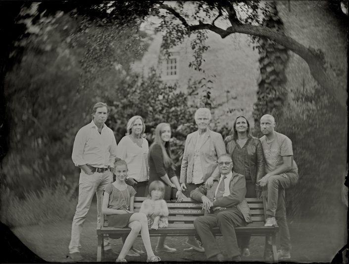 Familie portret op locatie Gouverneurstuin Heusden,18x24 cm Tintype gemaakt met het wetplate collodium procedé