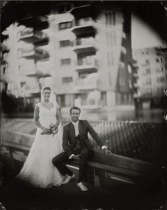 Paul & Maaike Huwelijksportret op locatie paleiskwartier 's-Hertogenbosch 24x30 cm gemaakt met het wetplate collodium procedé