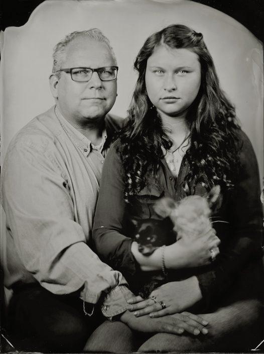 Dirk & Laura en de honden 18x24 cm Tintype gemaakt met het wetplate collodium procedé