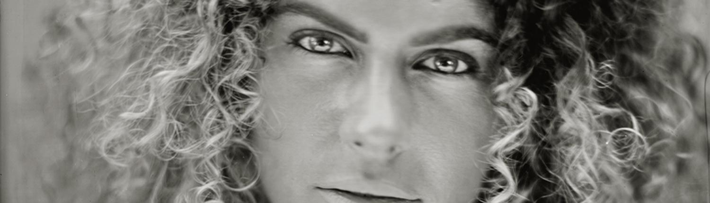 Detail van Manissa 24x30 cm Tintype portret gemaakt met het wetplate collodium procédé