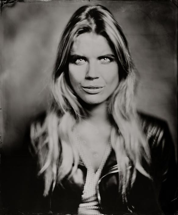 'Brigitte' 35x43 cm Ambrotype(blank glas) wetplate portret